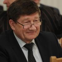 У омского мэра - стабильное третье место