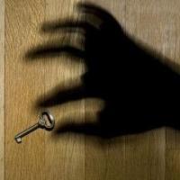 В Омске риэлторы похитили у граждан 16 квартир