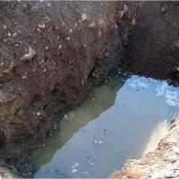 Двухлетняя девочка в Омской области утонула в яме с водой