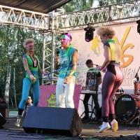 Жители Омска с радостью встретили «Лихие 90-е»