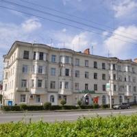 В Омске может обрушиться многоквартирный дом из-за аварийного состояния кровли