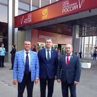 Стало известно, кто из омских «эссеров» попал в список кандидатов в депутаты Госдумы