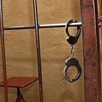 Приговоренный к двум годам омский бизнесмен сбежал из суда