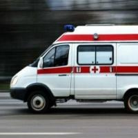 В Омске «ВАЗ» столкнулся с «Рено» и сбил пешехода