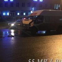 В тройном ДТП с маршруткой пострадали омичи