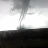 Жители Омской области засняли на видео торнадо