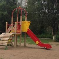 Силовики проводят проверку по факту травмирования малыша на горке в омском парке