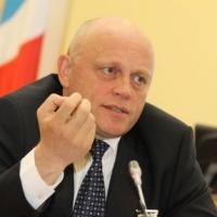 """Омский губернатор искоренит """"воровство и черный рынок"""" в органах власти"""