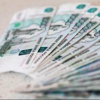 Мошенник снял 55 тысяч рублей с банковской карточки 59-летней омички