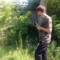 Омская полиция разыскивает девочку в розовых кедах и мужчину в черных берцах