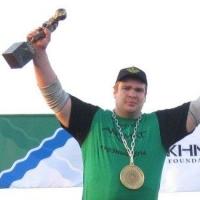 Омич стал самым молодым чемпионом России по силовому экстриму