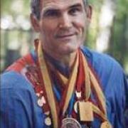 В Омске проголосовал заслуженный мастер спорта СССР Александр Пушница