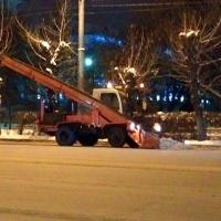 Дорожники начнут активно убирать снег с омских улиц только к вечеру