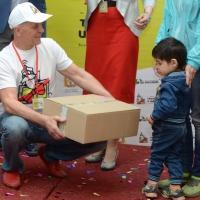 Омские чиновники подарили свои гаджеты нуждающимся