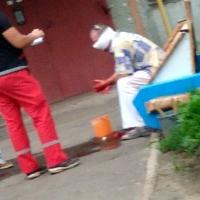 Отец-каратист избил пьяного омича возле детской площадки