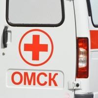 В Омске ищут водителя, сбившего женщину на тротуаре