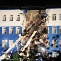 СКР начал проверку в Спецстрое по делу об обрушении казармы под Омском