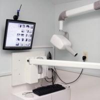 Стоматологии в жилом доме Омска запретили на 45 суток пользоваться рентгенаппаратом