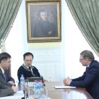 Бурков поговорил с Мединским о федеральных вложениях в культурные объекты Омской области