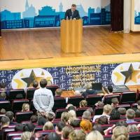 О спортивных планах Омской области Бурков поговорил со студентами СибГУФКа