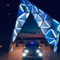 Фотографии авто на пешеходной омской улице вновь появились в сети