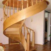Лестница может быть прекрасным дополнением к интерьеру
