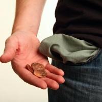 17,4 миллионов заработанных рублей не выплатили жителям Омской области