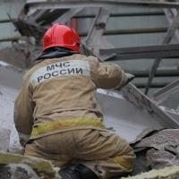 В омском регионе спасли мужчину, пролежавшего под рухнувшей крышей всю ночь