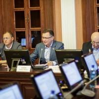 Власти Омской области будут сотрудничать с депутатами в сфере образования и молодежной политики