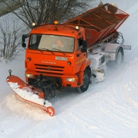 С новой техникой дорожники стали больше и лучше очищать улицы от снега