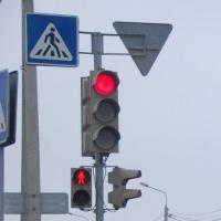 На перекрестке Орджоникидзе и 31-я Северная появилась пешеходная фаза