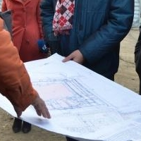 Бурков побывал на стройплощадке хоккейной академии в Омске
