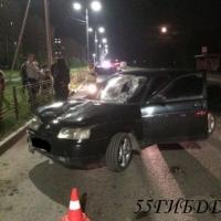 В Омске сбили девочку, переходившую дорогу на «красный»