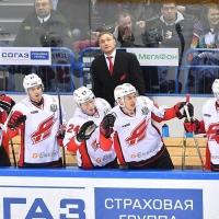 «Авангард» пока не выдерживает хоккей Титова