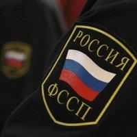 В Омске должник пырнул ножом в судебного пристава