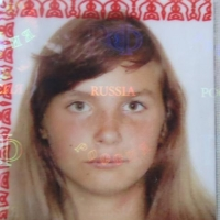 Омская полиция ищет сбежавшую из дома девочку с красным рюкзаком