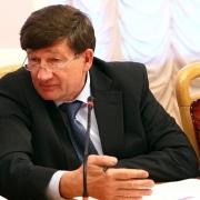 Двораковский поднимет зарплаты чиновникам