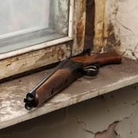 В омской квартире нашли труп и ружье