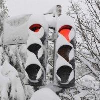 Ветер повредил в Омске 44 светофора