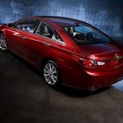 Омичей пригласили на тест-драйв Hyundai Sonata