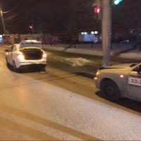 Омич сфотографировал тройное ДТП с участием такси