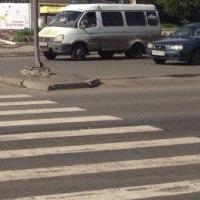 В Омске 17-летняя девушка попала в больницу после ДТП на зебре