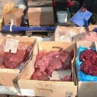 С начала года в Омске у продавцов стихийных рынков изъяли 200 кг рыбы и мяса