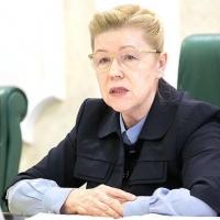 Сенатор от Омской области Елена Мизулина приняла решение выйти из числа Справедливороссов