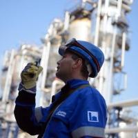 """""""Газпром нефть"""" в сентябре увеличит поставки бензинов на внутренний рынок на 23 %"""