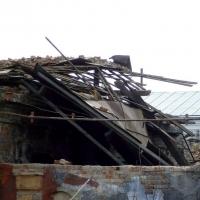 В Омске демонтировали аварийное здание и заработали 166 тысяч рублей