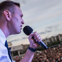 Паблик Омск.Live поспорил с Life.ru о количестве людей, собравшихся на митинг Навального