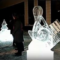 У Концертного зала в Омске открыли ледяные скульптуры