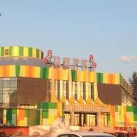 В омском цирке отключили свет во время опасного трюка канатоходцев