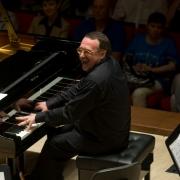 Даниил Крамер сыграет с Омским камерным оркестром